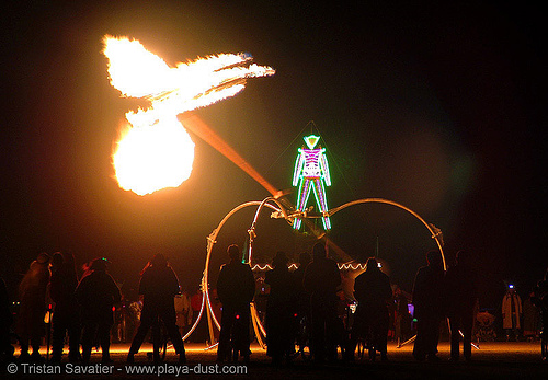 pendulum of fire by pyrokinetics - burning-man 2005, burning man, night, pendulum of fire, pyrokinetics