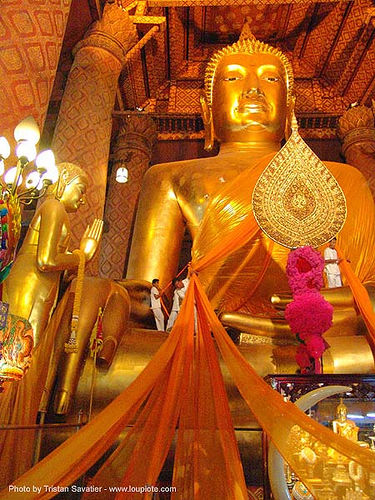พระพุทธรูป - people dressing-up a giant buddha - สุโขทัย - sukhothai - thailand, buddha image, buddha statue, buddhism, buddhist temple, chinese, cloth, cross-legged, golden color, sculpture, wat, ประเทศไทย, พระพุทธรูป, สุโขทัย, stock photo