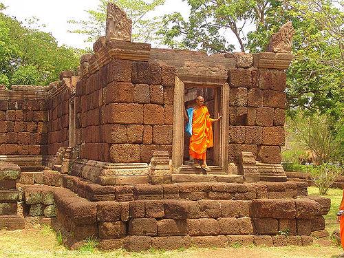 ปราสาทหินพนมรุ้ง - phanom rung festival - thailand, bhagwa, monk, people, phanom rung festival, ruins, saffron color, temple, ประเทศไทย, ปราสาทหินพนมรุ้ง