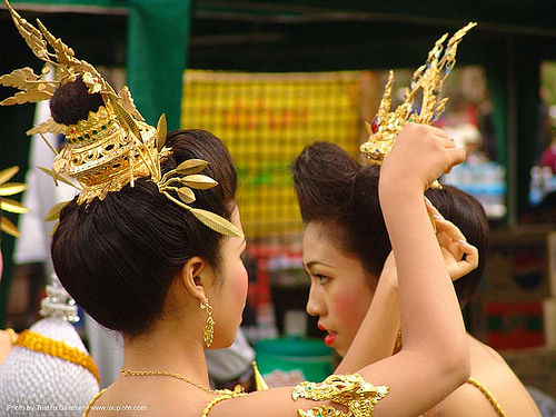 ปราสาทหินพนมรุ้ง - phanom rung festival - thailand, asian woman, asian women, crowns, headdress, headdresses, princess, thailand, ปราสาทหินพนมรุ้ง