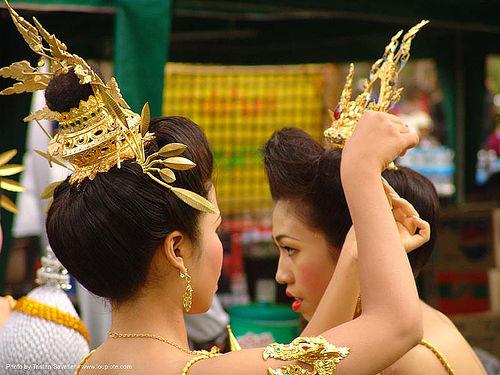 ปราสาทหินพนมรุ้ง - phanom rung festival - thailand, asian woman, asian women, crowns, golden, headdress, headdresses, phanom rung festival, princess, ประเทศไทย, ปราสาทหินพนมรุ้ง
