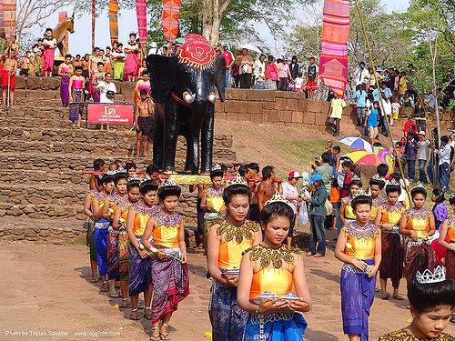 ปราสาทหินพนมรุ้ง - phanom rung festival - thailand, black elephant, carnival float, elephant sculpture, elephant statue, phanom rung festival, procession, ประเทศไทย, ปราสาทหินพนมรุ้ง
