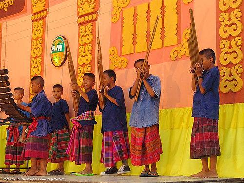 ปราสาทหินพนมรุ้ง - phanom rung festival - thailand, children, instruments, music, orchestra, people, playing, stage, thai, traditional, ประเทศไทย, ปราสาทหินพนมรุ้ง