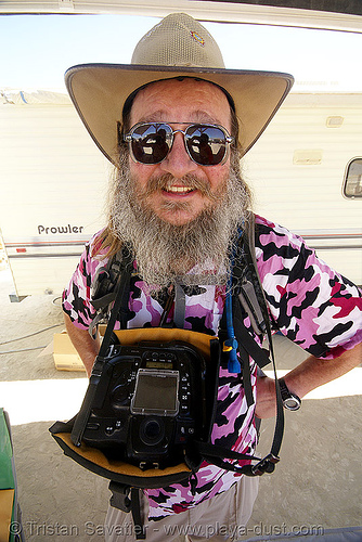 photographer bill klemens - burning man 2007, burning man, canon, photographer, sunglasses