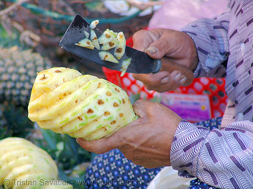 pineapple carving, carved, knife, market
