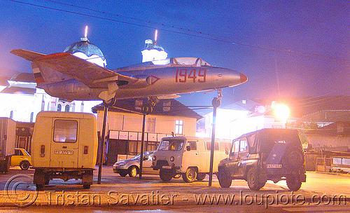 plane-in-batak - aerovodochody L-29 delfin (bulgaria), 1949, aircraft, jet, monument, trainer, българия