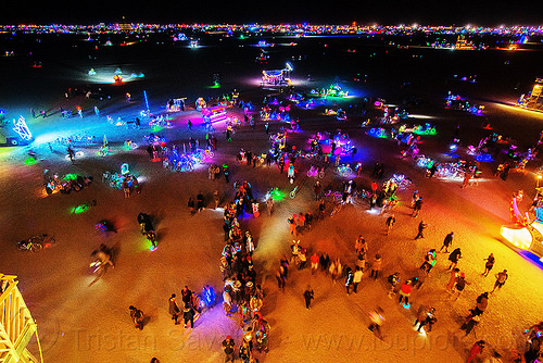 playa at night - burning man 2016, burning man, crowd, glowing, night, playa