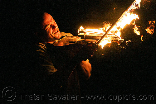 playing fire violin, david shuttleworth, fire performer, fire violin, man, night, playing, violinist