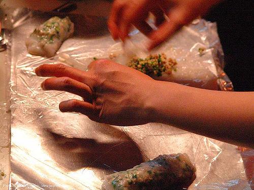 preparing vietnamese spring rolls, cooking, food, spring rolls, vietnamese rolls, ประเทศไทย