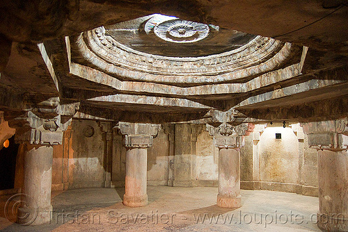 prison - gwalior fort (india), architecture, columns, fort, fortress, gwalior, india, inside, interior, jail, mansingh palace, pillars, prison, rotunda, vault, ग्वालियर क़िला