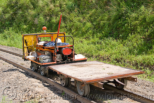 railroad speeder - track maintenance car, dolly, draisine, metric gauge, motorized, narrow gauge, noroeste argentino, rail trolley, railroad construction, railroad speeder, railroad tracks, rails, railway tracks, single track, track maintenance, tren a las nubes, workers
