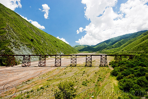 railroad viaduct, metric gauge, mountains, narrow gauge, noroeste argentino, quebrada del toro, rail bridge, railroad bridge, railroad track, railroad viaduct, rails, railway, rio toro, river bed, single track, steel, tren a las nubes, truss, valley, viaducto del toro
