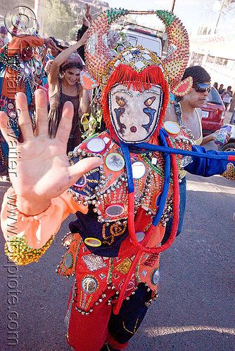 red diablo de carnaval - tilcara (argentina), andean carnival, careta de diablo, costume, diablo carnavalero, diablo de carnaval, folklore, hand, horns, indigenous culture, man, mask, mirrors, noroeste argentino, quebrada de humahuaca, quechua culture, tilcara, tribal