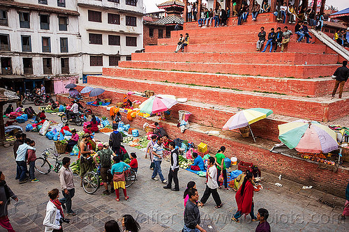 red pyramid on durbar square in kathmandu (nepal), crowd, durbar square, farmers market, hindu temple, hinduism, kathmandu, maju deval, pyramid, red, street, umbrellas