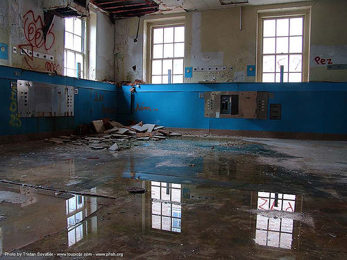 reflexion - abandoned hospital (presidio, san francisco) - phsh, abandoned building, abandoned hospital, decay, graffiti, orfn, presidio hospital, presidio landmark apartments, reflection, trespassing, urban exploration