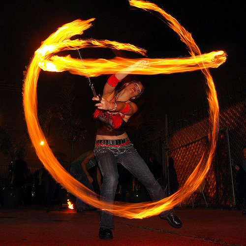 rising - LSD fuego, circle, fire dancer, fire dancing, fire performer, fire poi, fire spinning, flames, long exposure, los sueños del fuego, lsd fuego, night, ring, rising, spinning fire