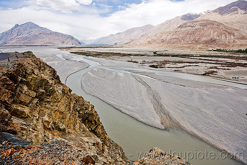 river - nubra valley - ladakh (india), india, ladakh, mountains, nubra valley, river bed