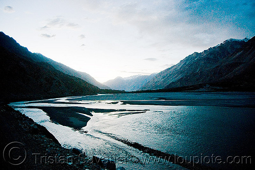 river - nubra valley - ladakh (india), mountains, river bed