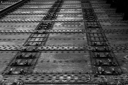 rivets - petite ceinture - abandoned railway bridge (paris, france), abandoned, bridge, paris, petite ceinture, rivets, steel beams, trespassing, urban exploration