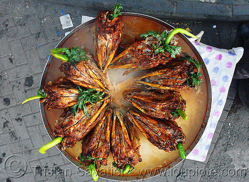 roasted goat heads - kurdish food - serûpê, chevon, chili pepper, chilli, cooked, diyarbakir, diyarbakır, goat heads, halal meat, kurdish, kurdistan, mutton, parsley, roasted, serûpê, street food, street seller, street vendor