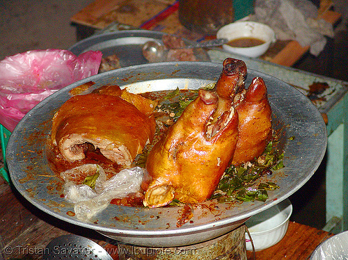 roasted piglets heads - vietnam, cooked, food, lang sơn, meat, pig heads, pork, roasted pig, roasted piglets