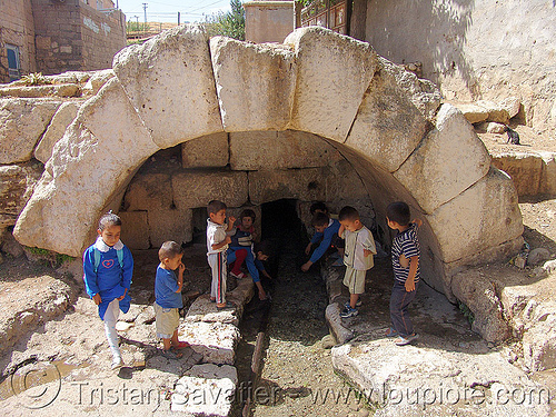 roman fountain - adıyaman (turkey), adiyaman, adıyaman, aqueduct, architecture, children, kids, kurdistan, people, playing, vault, water