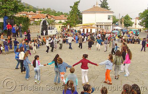 rozino-village-fair - circle dance - roms (bulgaria), cigano, gipsies, gitans, gypsies, manouches, nomadic tribe, people, romani, romanichals, romanichels, romanos, romas, rromani, rromas, rroms, sinti, tsigan, tsigani, tziganes, zigeuner, българия, розино