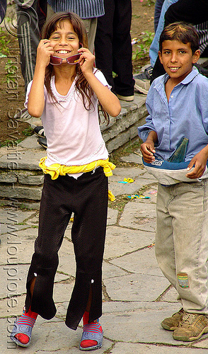 rozino-village-fair - kids - roms (bulgaria), child, cigano, gipsies, gitans, gypsies, kid, manouches, nomadic tribe, people, romani, romanichals, romanichels, romanos, romas, rromani, rromas, rroms, sinti, tsigan, tsigani, tziganes, zigeuner, българия, розино