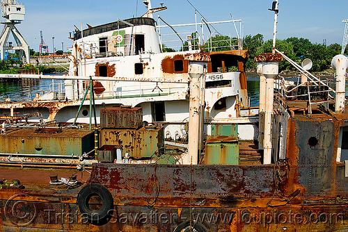 rusting ship in la boca (buenos aires), abandoned, boat cemetery, buenos aires, la boca, riachuelo, rusted, rusting, rusty, río la matanza, río matanza, ship cemetery, ship graveyard, wreck