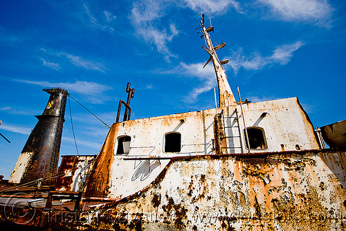 rusting ship in la boca (buenos aires), abandoned, boat cemetery, buenos aires, cape blanco, cargo ship, la boca, oil tanker ship, riachuelo, rusted, rusting, rusty, río la matanza, río matanza, ship cemetery, ship graveyard, wreck