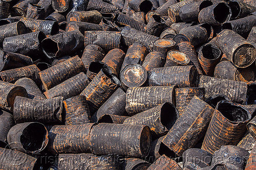 rusty asphalt barrels dump (india), asphalt barrels, asphalt drums, dump, environment, india, pollution, rusty