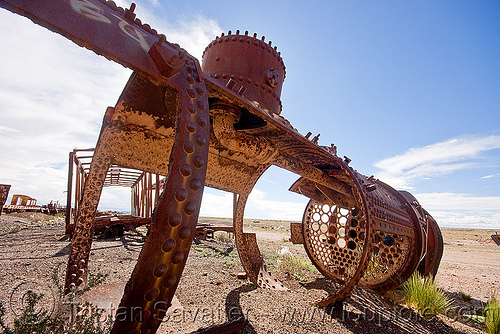 rusty steam locomotive  boiler, boiler, bolivia, enfe, fca, railroad, railway, rusty, scrapyard, steam engine, steam locomotive, steam train engine, train cemetery, train graveyard, train junkyard, uyuni