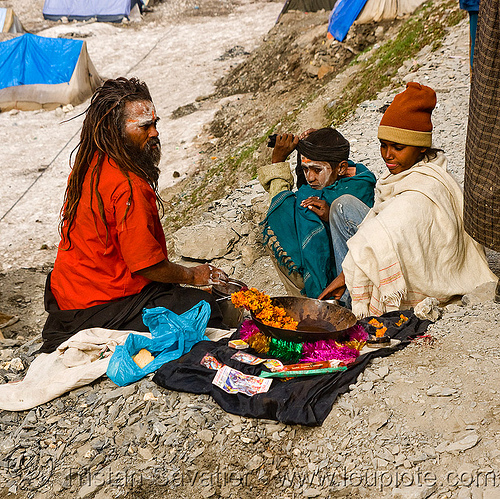 sadhu (hindu holy man) - amarnath yatra (pilgrimage) - kashmir, amarnath yatra, baba, children, hiking, hindu holy man, hindu pilgrimage, hinduism, india, kashmir, kids, men, pilgrims, sadhu, snow, trekking