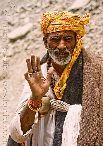 sadhu (hindu holy man) - amarnath yatra (pilgrimage) - kashmir, amarnath yatra, baba, beard, crippled, crutches, hindu holy man, hinduism, kashmir, mountain trail, mountains, old man, pilgrim, pilgrimage, sadhu, trekking, yatris, अमरनाथ गुफा
