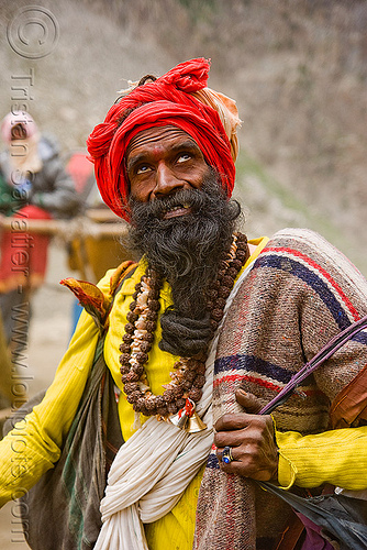 sadhu (hindu holy man) on trail - amarnath yatra (pilgrimage) - kashmir, baba, beard, hinduism, mountain trail, mountains, old man, people, pilgrim, trekking, yatris, अमरनाथ गुफा