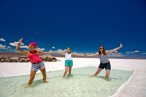 salt pool party - salinas grandes - salar (argentina), blue sky, halite, horizon, jujuy, julie, noroeste argentino, people, rock salt, salar, salinas grandes, salt bed, salt flats, salt lake, salt pool, three, wading, water, white, women