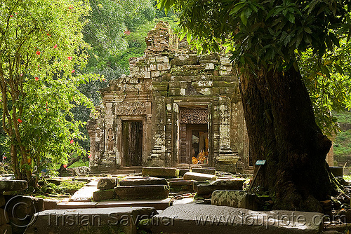 sanctuary (main shrine) - wat phu champasak (laos), hindu temple, hinduism, khmer temple, main shrine, ruins, sanctuary, stone slabs, wat phu champasak
