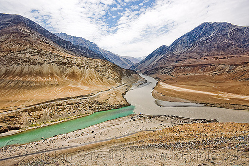 sangam (confluence) of zanskar and indus rivers, confluence, india, indus river, ladakh, mountains, river bed, v-shaped valley, zanskar river