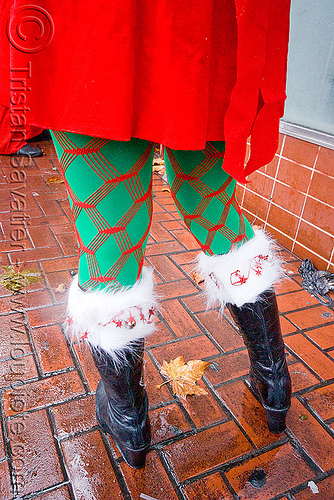 santacon 2009 - santa claus convention (san francisco), aliasgone, boots, christmas, costume, fishnet tights, green, legs, people, red, santarchy, santas, stockings, the triple crown, woman