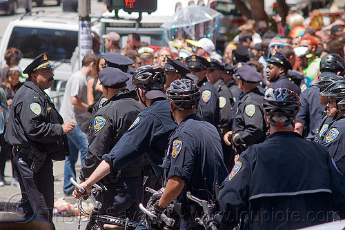 SFPD police crack-down on the bay to breakers footrace festival  (san francisco), bay to breakers, crack-down, festival, law enforcement, men, police, sfpd, street party, uniform