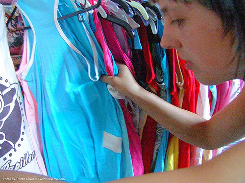 shopping for t-shirts and cloths in bangkok - thailand, bangkok, knock-offs, shopping, t-shirts, thailand, woman, บางกอก