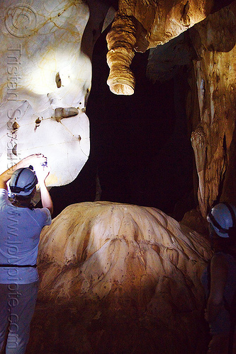 showerhead stalactite - caving in mulu - racer cave (borneo), cave formations, cavers, caving, concretions, gunung mulu national park, natural cave, racer cave, speleothems, spelunkers, spelunking, stalactite, stalagmite