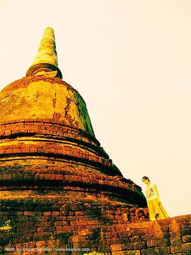 si-satchanalai - anke-rega, anke rega, cross-processed, dxpro, ruins, si satchanalai, stupa, temple, wat, woman, ประเทศไทย