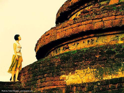 si-satchanalai - anke-rega, anke rega, cross-processed, dxpro, people, ruins, si satchanalai, stupa, temple, wat, woman, ประเทศไทย