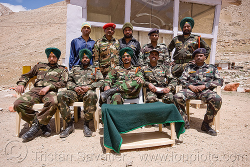 sikh soldiers at army check-point - road to chang-la pass - ladakh (india), army fatigue, army uniform, chang pass, chang-la pass, fatigues, india, indian army, ladakh, men, military, sikhism, sikhs, sitting, soldiers