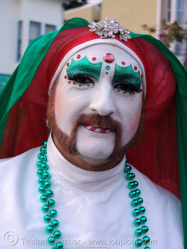 sister mary juanita high (the sisters of perpetual indulgence, san francisco) - christmas makeup, bindis, christmas makeup, drag, green beads, man, nuns, red, sisters of perpetual indulgence, white