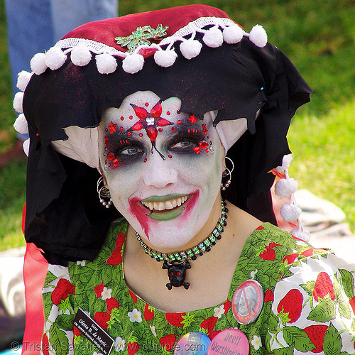 sister oletta B. de monic - the sisters of perpetual indulgence - easter sunday in dolores park, san francisco, dolores park, easter, green, hunky jesus contest, makeup, nuns, red, sisters of perpetual indulgence, white, woman