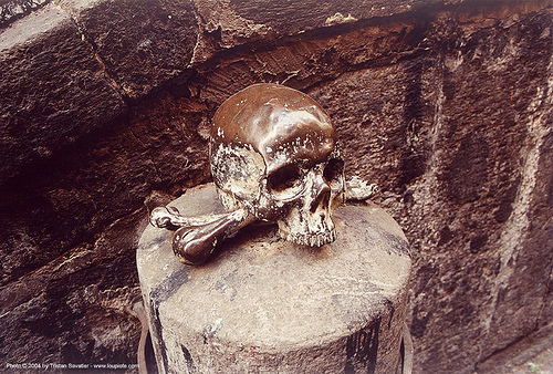 skull and bones - brass, brass, crossbones, death, human skull, naple, napoli, sculpture, skull and bones