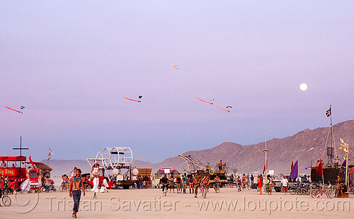 skydivers from the burning sky landing at dusk - burning man 2009, burning man, burning sky, full moon, parachutes, parachutists, skydivers
