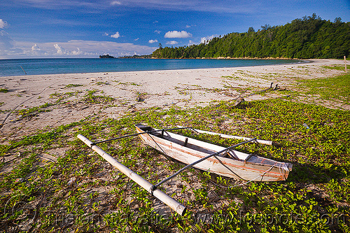 small double outrigger fishing canoe on beach (borneo), bangka, boat, climbing plants, creeper plants, desert beach, double outrigger canoe, fishing canoe, kelambu beach, ocean, rain forest, sand, sea, seashore, shore